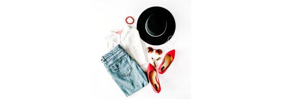 ملابس وإكسسوارات